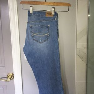 Abercrombie & Fitch Woman's light wash jeans