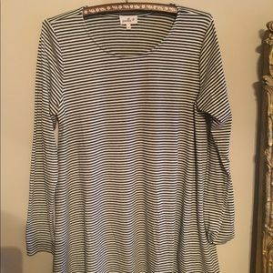 Anthropologie b&w stripe swing top size m