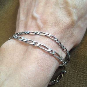 Vintage Pair of Matching SS Chain Link Bracelets