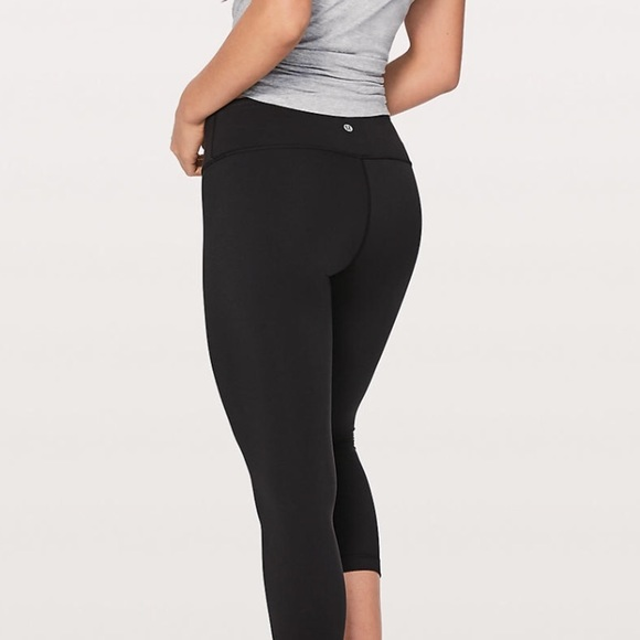 0782289c20 lululemon athletica Pants - Lululemon Wunder Under Low-rise crop, Full Luon