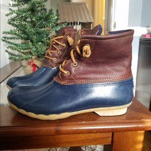 Navy/tan Sperry Boot