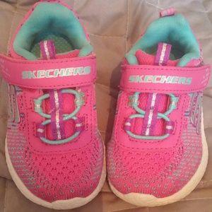 Skechers size 5 children tennis shoes