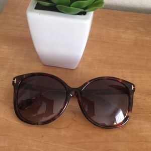 Authentic Tom Ford Alicia Angled Round Sunglasses