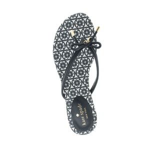 New Kate spade 8.5 black and white flip flops