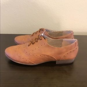 New Restricted faux leather oxfords shoes sz 7
