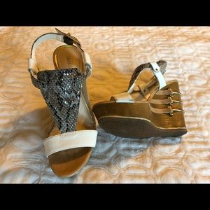 Gianni Bini wedge sandal
