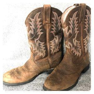 ARIAT Boots!!