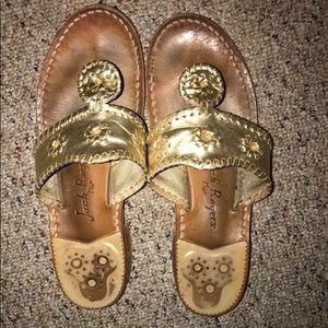 Jack Rogers (gold)