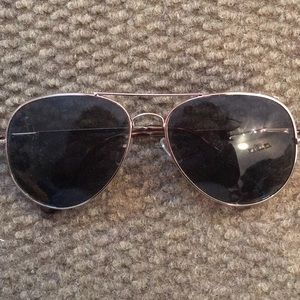 aviator sunglasses (Urban Outfitters)