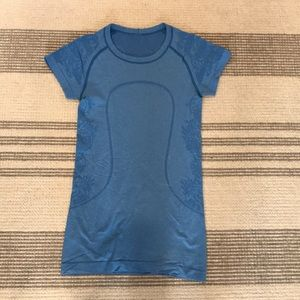 Blue lululemon Fitted Top