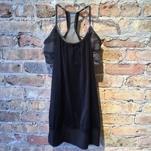Lululemon black no limits tank w/camo bra sz 6