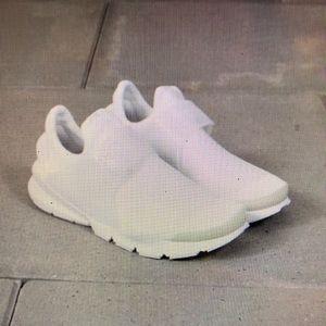 Nike Sock Dart: white on white