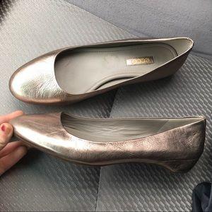 ECCO // Platinum Leather Ballet Flats
