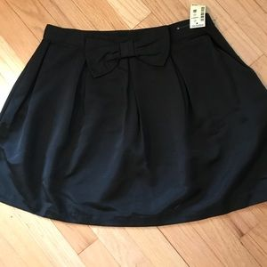 Flare skirt with bow