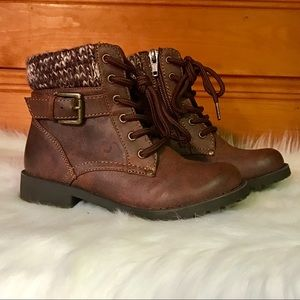 Girl's Brown Boots
