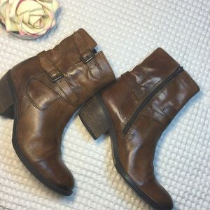 Clarks Ankle Zip Boots