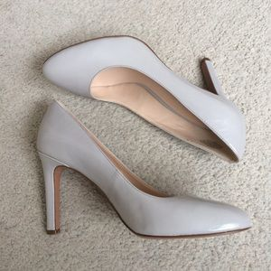 Nine West Almond-Toe Giuliao Light Gray Pump EUC