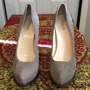 """Guess """"Amazing"""" Suede pumps"""