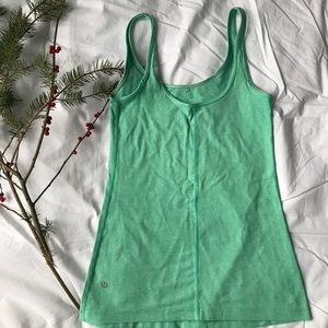 Lululemon straight up tank 🎄