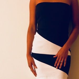 Edgy Black and white dress like new !!!!