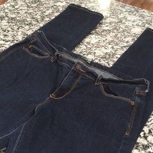 Old Navy Flirt Skinny Jean