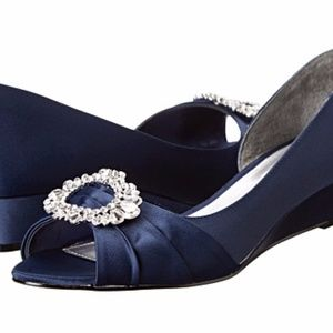 New Nina Rivka Navy Wedge shoes in size 7