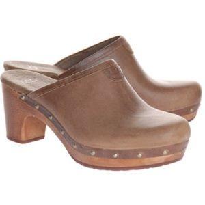 Ugg Leather Clog