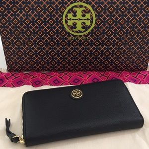 💯% Authentic Brand New Tory Burch Wallet