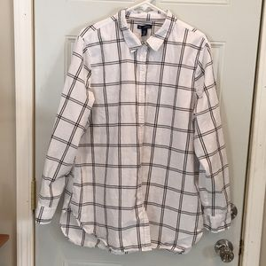 Gently used, women's Gap shirt.