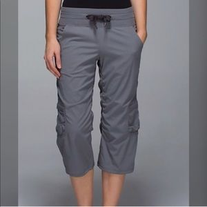 Lululemon yoga camp crop pants