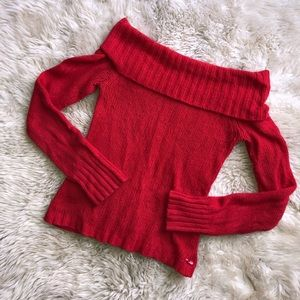 🎄 Off the shoulder American eagle sweater