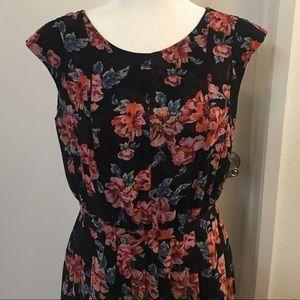 Halogen size 8 dress . Excellent condition.