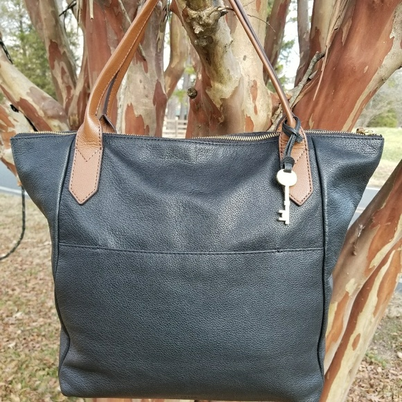 2386863ce Fossil Handbags - Fossil Fiona Tote - Blk Leather w/Brn Handles