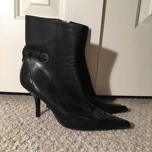 Black booties!!
