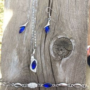 Jewelry - Blue necklace, bracelet, earring, jewelry set