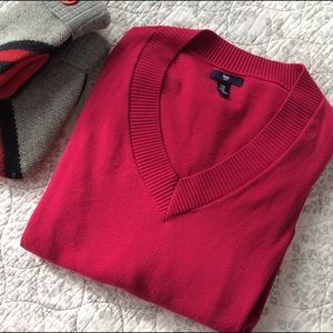 XL GAP V-Neck Sweater