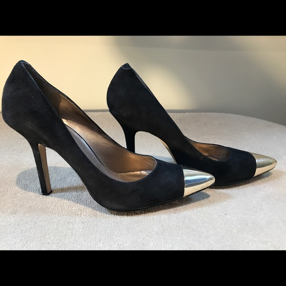 1f04880a19 Jessica Simpson Shoes - Jessica Simpson Black and Gold Pumps