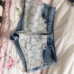 Jean shorts with pattern