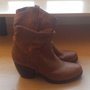 Brown Steve Madden Trustee boots. Size 10.
