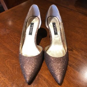 Your PARTY Shoes are ready - kitten heeled pumps