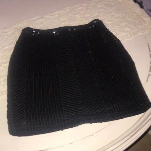 BeBe Black sequin skirt ! Size xs ! Very cute !