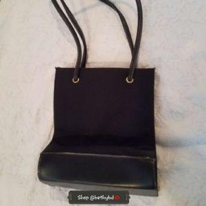 🎄JUST ADDED🎁Navy shoulder bag by Nine West (EUC)