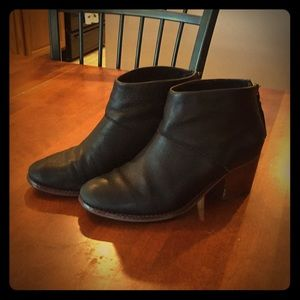 Black leather TOMS booties with tassels!