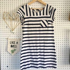 Old Navy Navy + White stripe dress   XS   Excellen