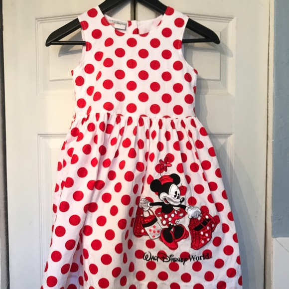 55c74f80cd5 Minnie Mouse White with red polka dots. M 5a3027e94e95a309c00410b2