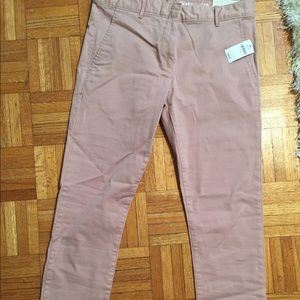 Gap ankle pants, never worn and tags on!