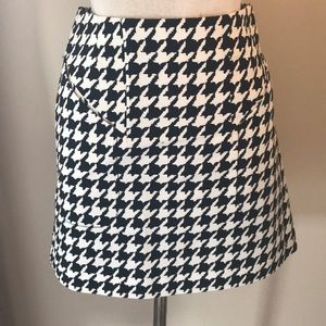 H&M houndstooth skirt