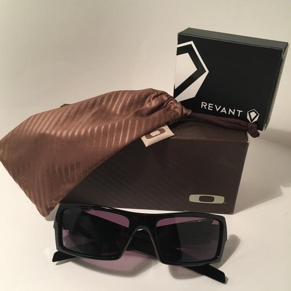 Great U201cOakleyu201d Gascan Sunglasses 😎🔥