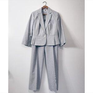 LOFT Two piece suit set blazer career pants slacks