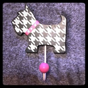 Decorative Houndstooth Print/Pink Wall Hook